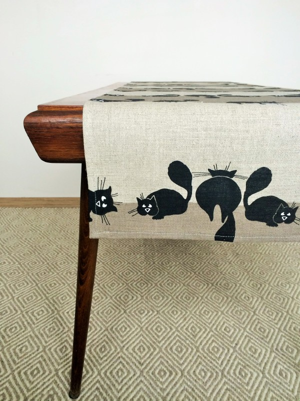 Pure 100% linen table runner. Handmade table linen. Cats pattern.